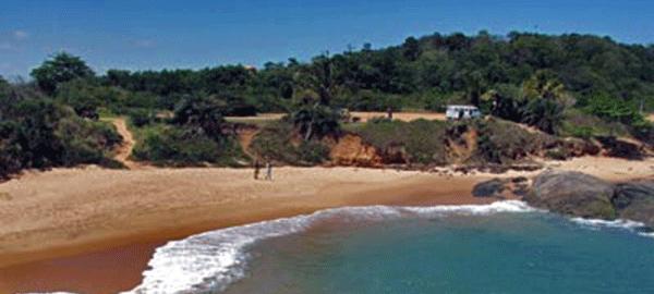 Praia das Areias Negras